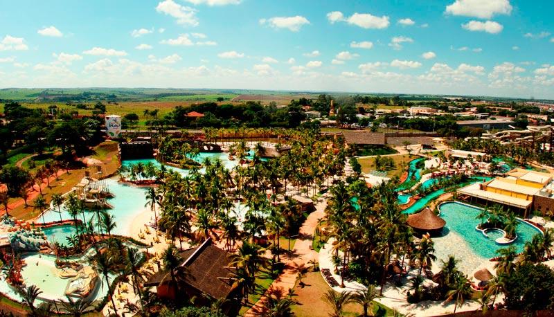 Vista aerea resort Hot Beach olímpia
