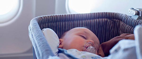 Dicas para viajar com bebês de avião