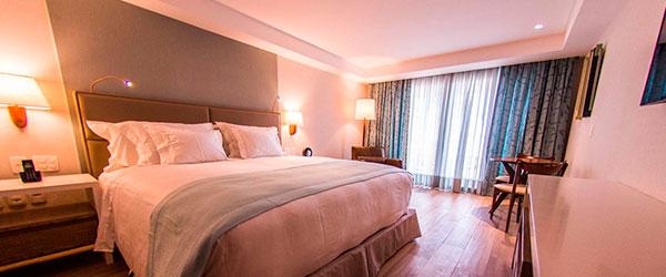 Acomodações do hotel de luxo Vogal Luxury Beach Hotel & Spa
