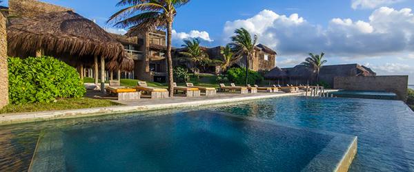 Piscina do Kenoa Resort - Hotel de Luxo na Barra de São Miguel