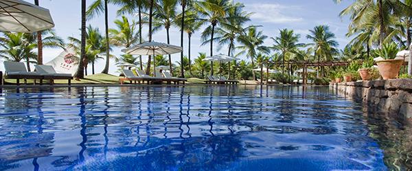 Piscina do Txai Resort