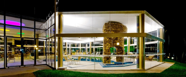 Piscina coberta Mavsa Resort All Inclusive