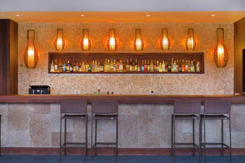 Bar especial oferecendo drinks nacionais e internacionais