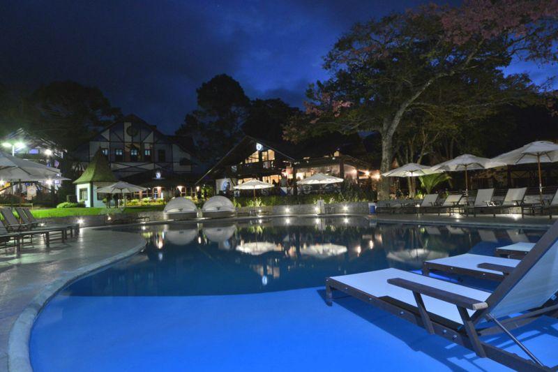 noite-piscina