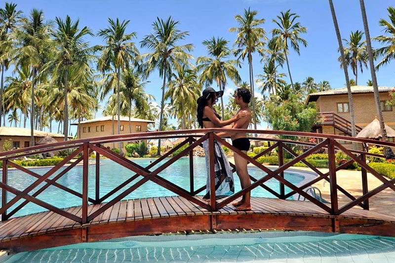 par romantico na ponte maragogi piscina