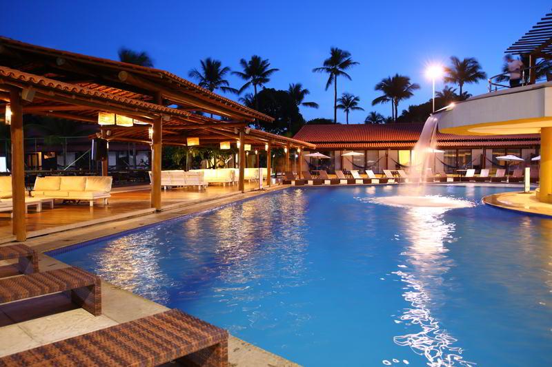 piscina com cascata relaxante