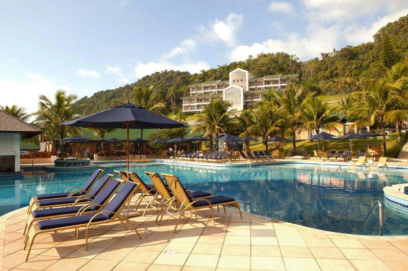 piscina-fachada-hotel