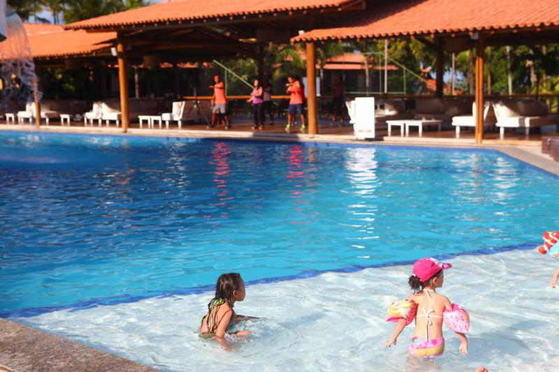 piscina parte raza ideal para diversão das crianças com monitoria dos responsáveis