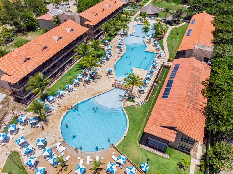 Vista aérea Salinas Maceió com detalhes de toda estrutura de um dos melhores resort de Maceió