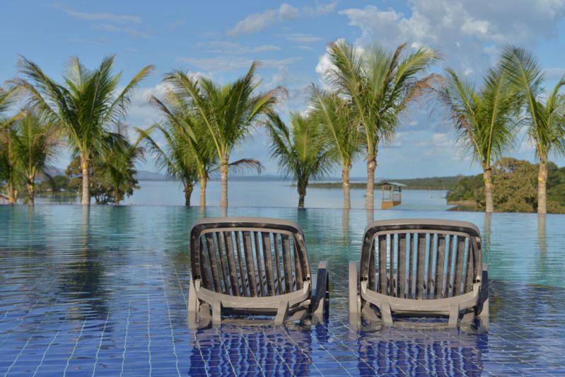 vista-piscina-malai-manso-resort