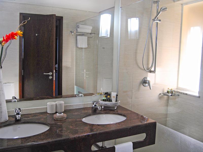 Banheiro com amenidades
