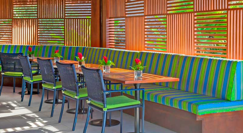 Restaurante Tabaréu com mesa postas