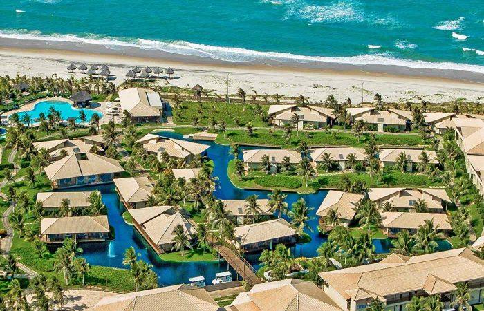 Vista aérea Dom Pedro Laguna frente mar